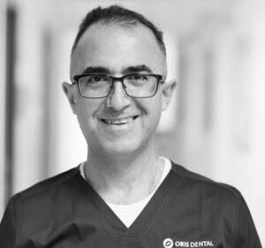 Spesialist i endodonti Arash Sanjabi ved Oris Dental