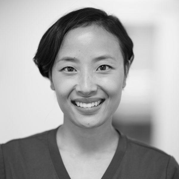 Allmenntannlege Mai Dinh ved Oris Dental Rommen.