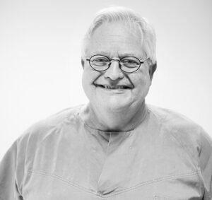 Tannlege og spesialist i periodonti Harald Efraimsen ved Oris Dental Harstad.