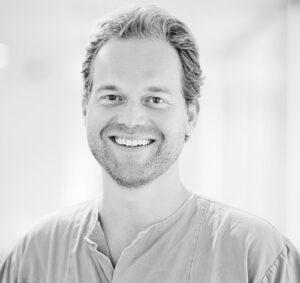 Spesialist i oral kirurgi og oral medisin Hauk Øyri ved Oris Dental Rommen
