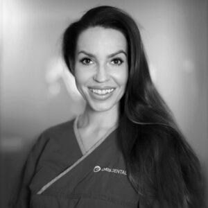 Tannlege Marlene Surnes Kristoffersen ved Oris Dental Stokke i Mo i Rana.