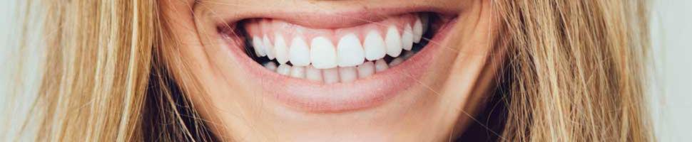 Få tilbake egenskaper for å snakke og tygge med gebiss eller tannprotese. Vi ved Oris Dental hjelper deg!